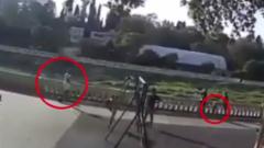 В Сочи самокатчик сбил годовалого малыша и попытался скрыться: видео