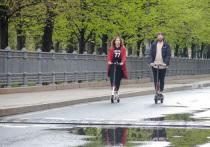Московским самокатчикам и велосипедистам запретят проезжать по пешеходным переходам