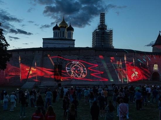 Лазерное шоу в честь Александра Невского снова состоится в Пскове