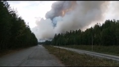 Трассу Пермь-Екатеринбург закрыли для движения из-за крупного пожара