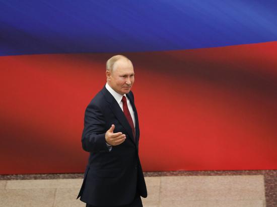 От Путина: в Крыму 579 796 пенсионеров получат по 10 тысяч рублей