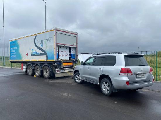 Автомобиль министра энергетики на газу проехал Сахалин с юга на север