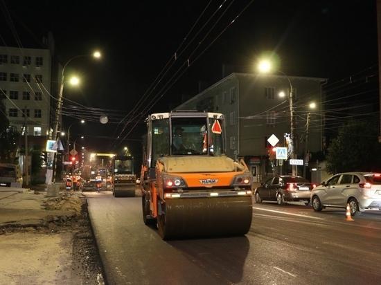 На улице Радищева в Курске продолжается ремонт дороги