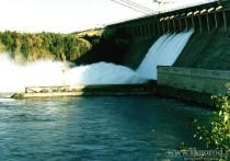 На Братской ГЭС начинают холостой сброс воды