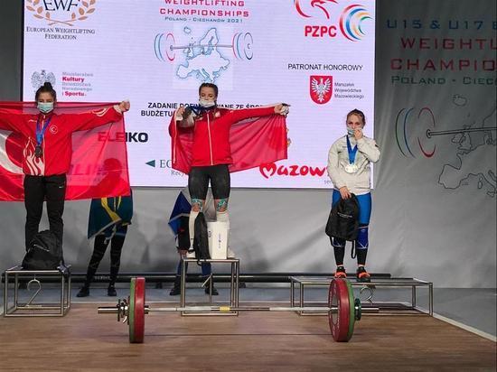 Сахалинка взяла бронзу на соревнованиях по тяжелой атлетике в Польше