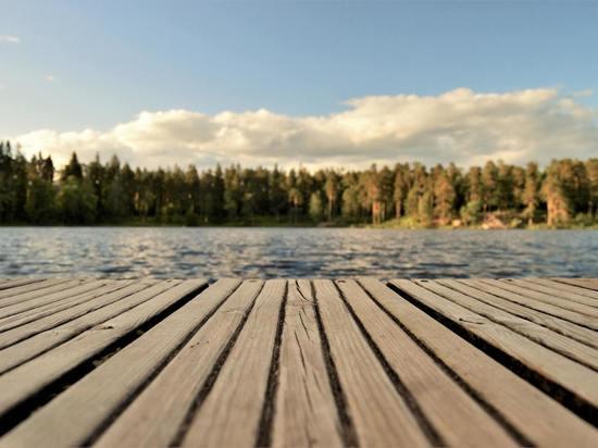 Сахалинские депутаты приведут в порядок берег озера