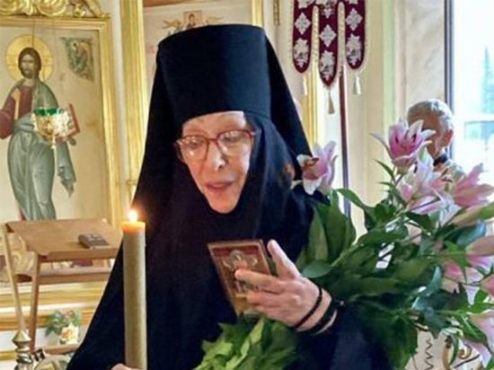 «Звезды», пришедшие к вере: Екатерина Васильева повторила путь коллег
