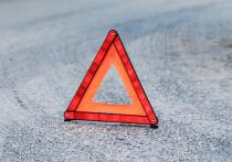 Трое спасателей ликвидировали ДТП на Коммунальной улице в Пскове