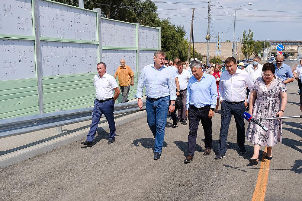 Большой фоторепортаж с открытия движения по Милицейскому мосту в Астрахани