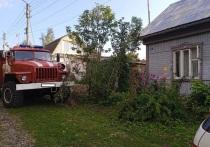 Во время пожара подвала в Мещовске пострадал человек
