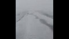 Пострадавший от пожаров район Якутии накрыло снегом: кадры аномалии