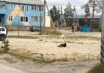 Снесли детскую площадку: вид одинокого мальчика на пустыре расстроил жителя Муравленко
