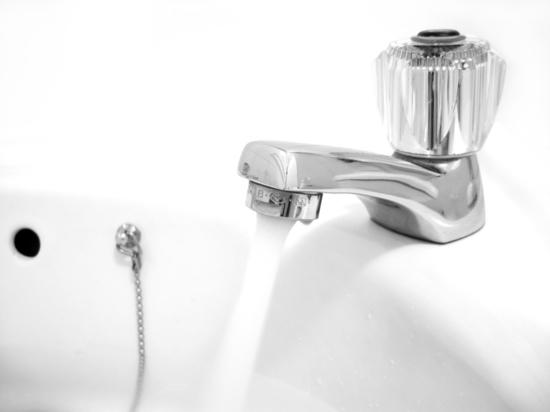 После ночного аварийного отключения холодная вода начала поступать во все дома Томска
