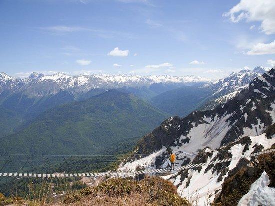 Альпинисты прошли 70 километров по горам Красной Поляны за 17 часов