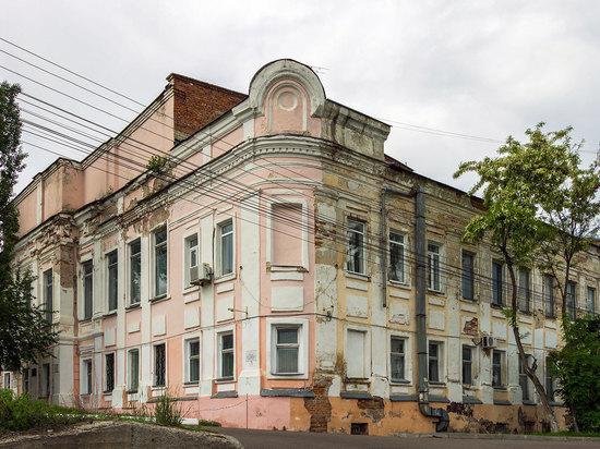 В Курске за 96 млн рублей восстановят здание электромеханического техникума на Саровского