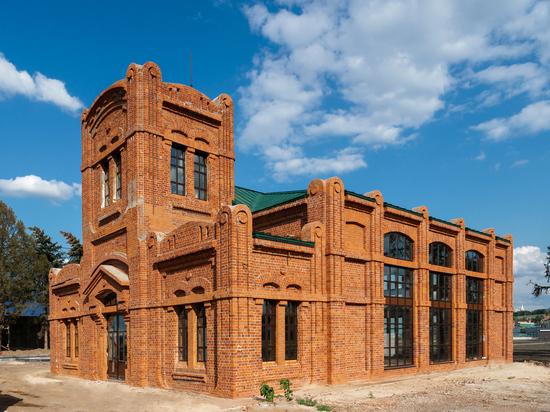 Зданию фильтровальной станции на Стрелке вернули исторический облик