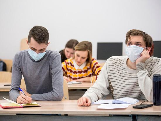 В Курской области учебный год в школах, ссузах и вузах начнется в очном режиме