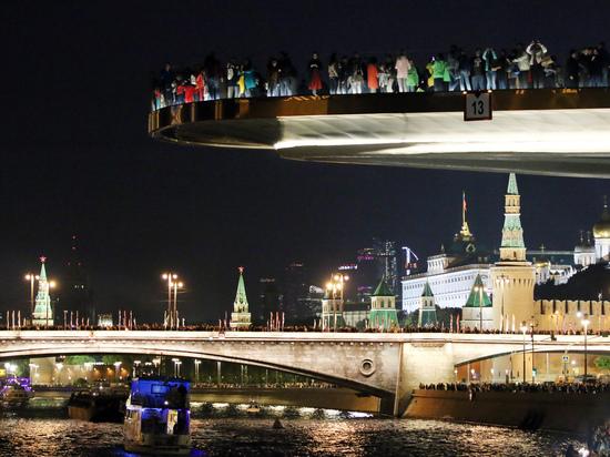 Гидам предложили платить  за красивые виды Москвы-реки