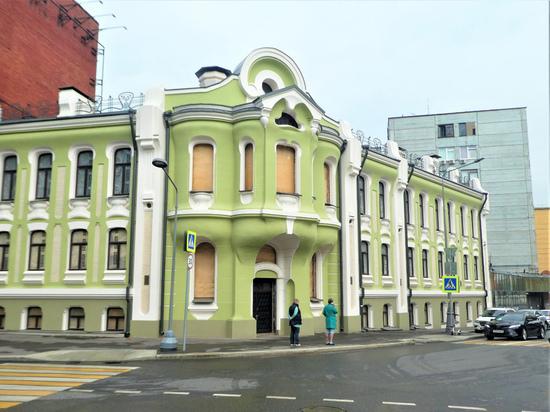 В особняк «шоколадного короля» Абрикосова вернут оригинальный витраж