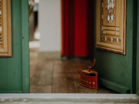 Сахалинец залез в квартиру соседки за шуруповертом