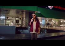 Новый продюсерский проект Сергея Шнурова - группа «Зоя» - выпустила свой первый клип на песню «Мне бы хлеба»