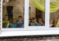 Крышу детского сада в Великих Луках всё ещё не отремонтировали после урагана