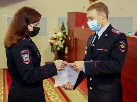 Псковские выпускники пополнили ряды сотрудников полиции