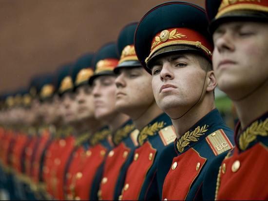Военным и силовикам на Сахалине в сентябре выплатят бонус