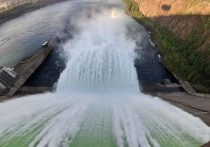 На Братской ГЭС до 6-6,5 тысячи кубометров в секунду увеличили холостой сброс воды
