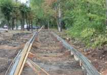 В Ижевске продолжают благоустраивать территорию сквера возле ИжГТУ