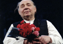 Он умирал дважды. Первый раз в 1988 году, на гастролях в Германии. Он должен был играть «Поминальную молитву»… Это была клиническая смерть, 16 дней он находился в коме