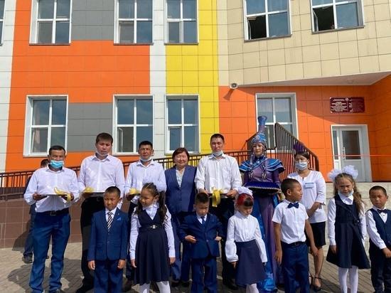 В столице Тувы открыли школу, которую посещал Михаил Мишустин