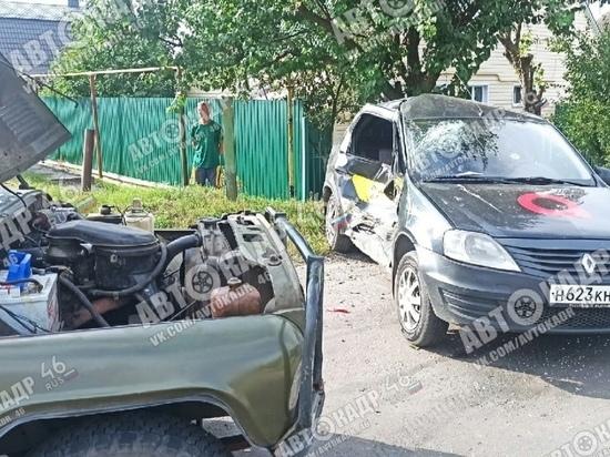 В Курске в ДТП с такси и внедорожником такси пострадала женщина