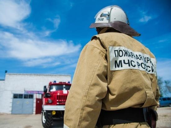 Замыкание электропроводки привело к пожару в доме под Волгоградом