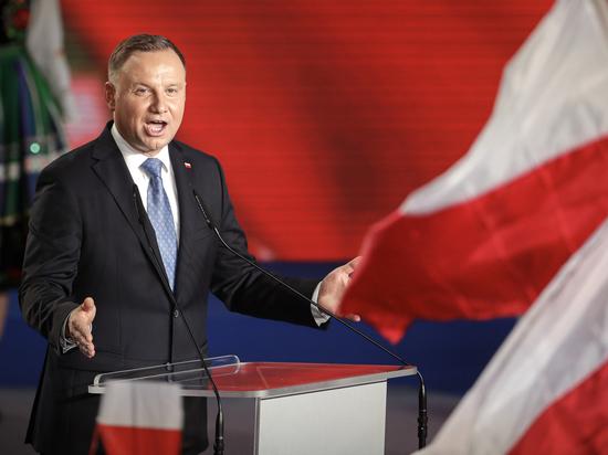 Польша пригрозила Белоруссии чрезвычайным положением: дальше будет обвинение в терроризме
