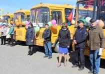 Российские субъекты получат более 5,5 тысячи машин скорой помощи и школьных автобусов