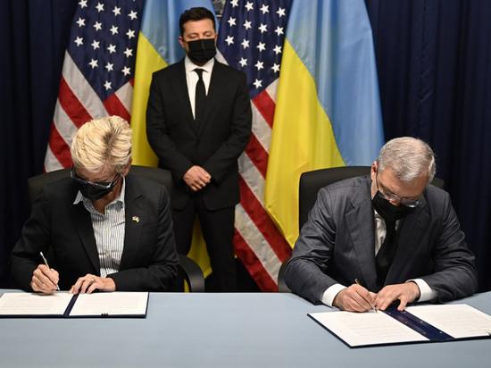 Древний князь Зеленский: Зачем президент Украины ездил в США