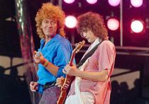 На 78-ом Венецианском кинофестивале состоится премьера документального фильма «Стать Led Zepprlin» Бернарда МакМахона о появлении в 1968 году в Лондоне и дальнейшей судьбе легендарной  британской рок-группы Led Zeppelin