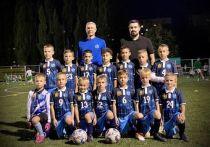 Мэр Ставрополя подарил клубную форму детской футбольной команде