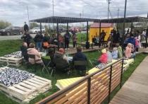 Фестиваль семейного отдыха «Осенний пикник» с ухой и песнями у костра прошел в Салехарде