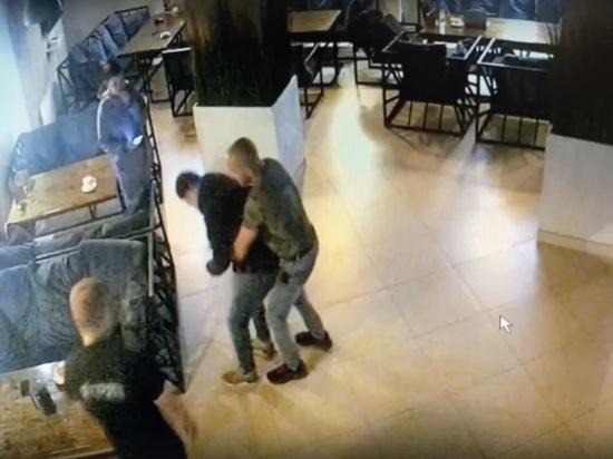 Томский врач спас жизнь подавившемуся посетителю кафе