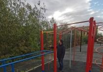О поломках на детских площадках просят сообщать в администрацию жителей Лабытнанги