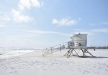 В Сочи открыли пляжи после шторма