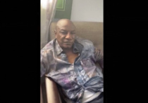 Свергнутый президент Гвинеи нашелся босым в расстегнутой рубашке