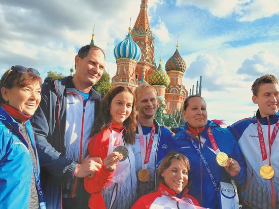 Паралимпийцы вернулись в Москву: что движет чемпионами Токио