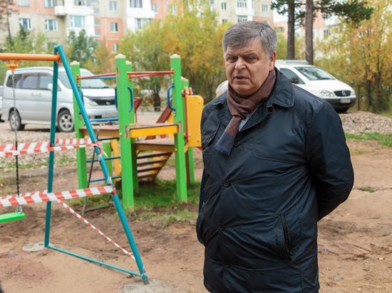 Глава Нерюнгри проверил работу на объектах благоустройства города