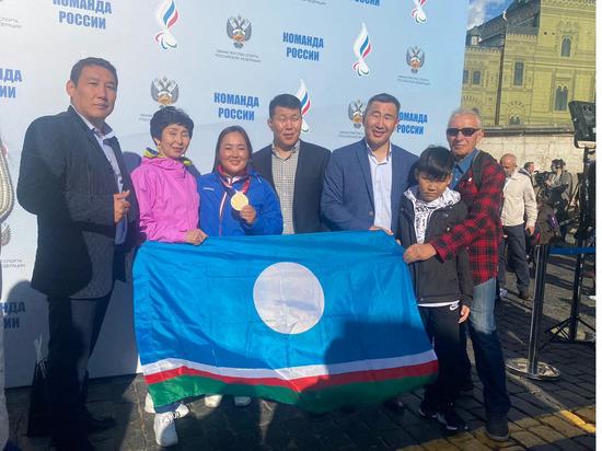 Якутская спортсменка приняла участие в чествовании паралимпийцев на Красной площади