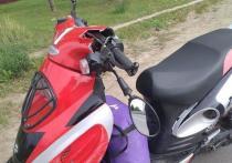 Водитель скутера пострадала в ДТП в Великих Луках