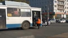 Троллейбус и ВАЗ-2114 столкнулись в центре Екатеринбурга