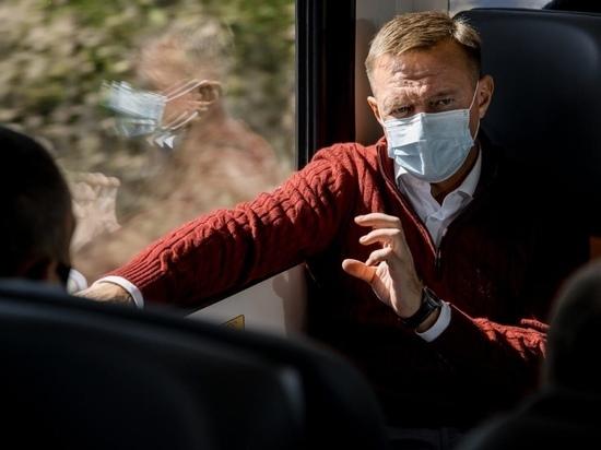 Роман Старовойт отправился в рабочую поездку в Курчатов на рельсовом автобусе